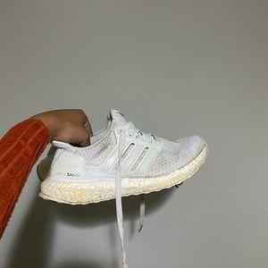 Triple white 2.0 ultra boost